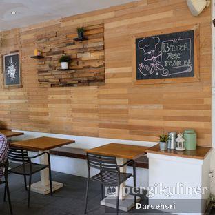 Foto 9 - Interior di Frenchie oleh Darsehsri Handayani