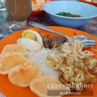 Foto 2 - Makanan(Bubur Ayam Komplit) di Bubur Ayam Mang H. Oyo oleh JC Wen