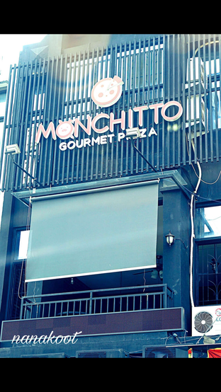 Foto 6 - Eksterior di Monchitto Gourmet Pizza oleh Nanakoot