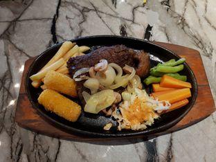 Foto 1 - Makanan di Steak Hut oleh Amrinayu