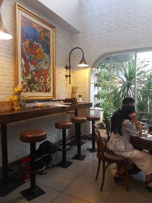 Foto 5 - Interior di Trafique Coffee oleh ig: @andriselly