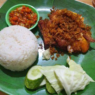 Foto 1 - Makanan di Ayam Penyet Jeletot Bonsar oleh Adhy Musaad
