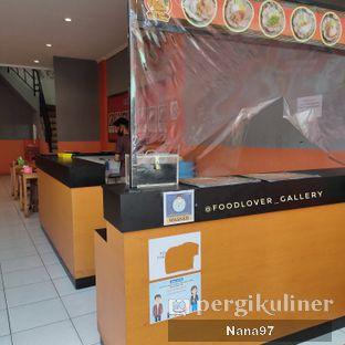 Foto 7 - Interior di Geprek Gold Chick oleh Nana (IG: @foodlover_gallery)