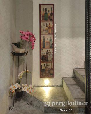 Foto 12 - Interior di Trvffle Bistro oleh Nana (IG: @foodlover_gallery)