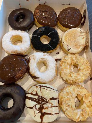 Foto 2 - Makanan di J.CO Donuts & Coffee oleh Duolaparr