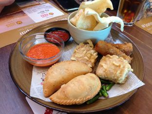 Foto 1 - Makanan(Appetizer Sampler) di Sate Khas Senayan oleh awakmutukangmakan