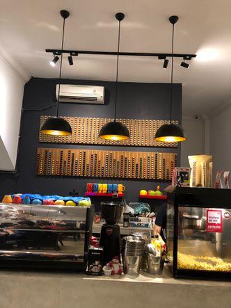 Foto Interior di Hello Cafe & Board Games