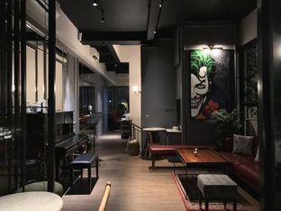 Foto 3 - Interior di Red Door Koffie House oleh @stelmaris