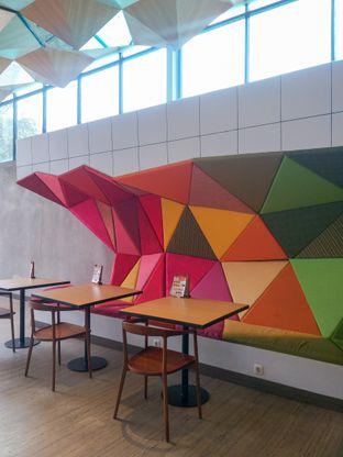 Foto 1 - Interior di Chroma Coffee and Eatery oleh Sari Cao