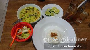 Foto 2 - Makanan di Kedai Soto Ibu Rahayu oleh Jakartarandomeats