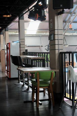 Foto 8 - Interior di Bounce Cafe oleh Prido ZH