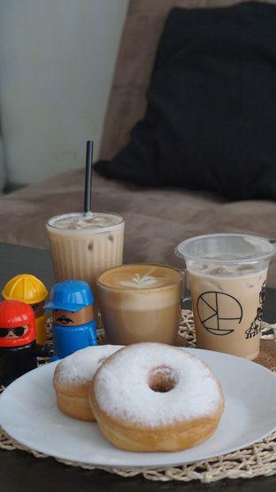 Foto 5 - Makanan di Morethana Minilib & Coffee oleh Theodora