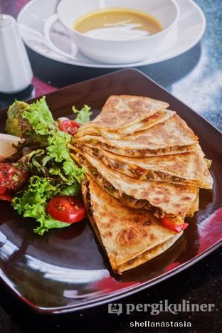 Foto 2 - Makanan(Quesadilla) di Indoguna Gourmet oleh Shella Anastasia