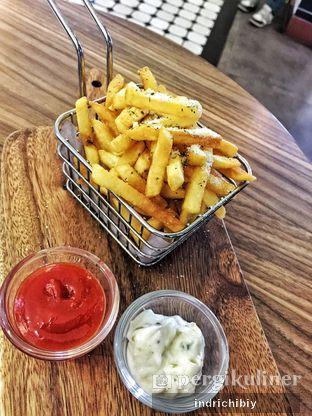Foto 3 - Makanan(Truffle Fries) di Qubico Coffee oleh Chibiy Chibiy