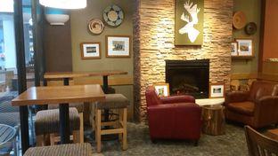 Foto 2 - Interior di Caribou Coffee oleh Rahadianto Putra