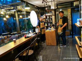 Foto 5 - Interior di Yutu Kopi oleh doyan kopi