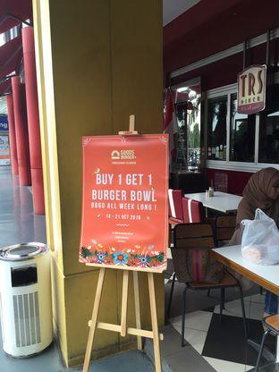 Foto 4 - Eksterior di Goods Burger oleh Theodora
