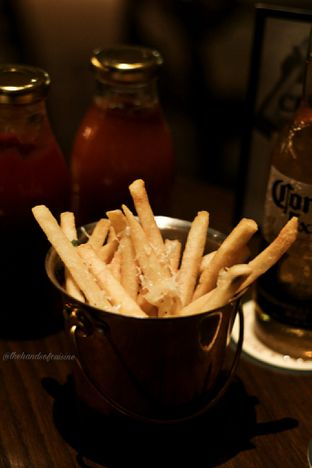 Foto 2 - Makanan di FLYNN Dine & Bar oleh thehandsofcuisine