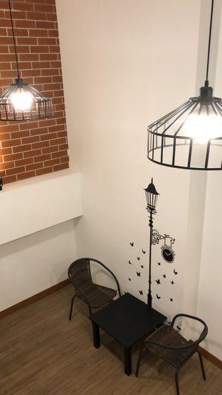 Foto 8 - Interior di Bruins Coffee oleh Nadia  Kurniati