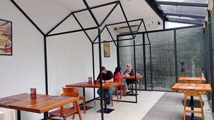 Foto 4 - Interior di Moon Chicken oleh Rifqi Tan @foodtotan