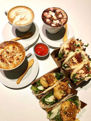 Foto 2 - Makanan di Gatherinc Bistro & Bakery oleh kdsct