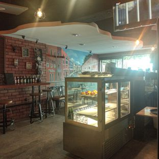 Foto 4 - Interior di Sixtynine Coffee oleh duocicip