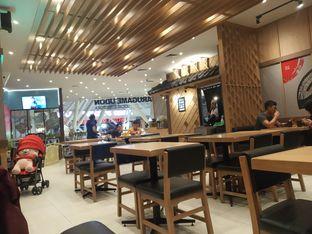 Foto 4 - Interior di Marugame Udon oleh firout