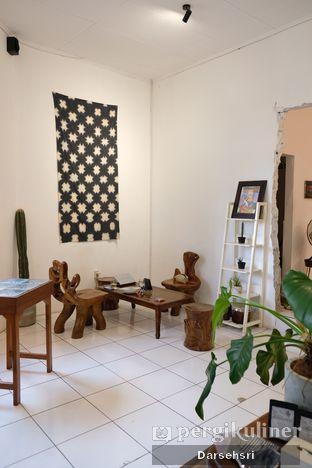 Foto 4 - Interior di Seanan Coffee oleh Darsehsri Handayani