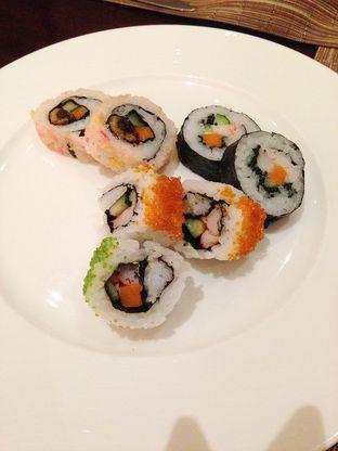 Foto 2 - Makanan di The Cafe - Hotel Mulia oleh Mitha Komala