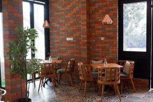 Foto 21 - Interior di Kode-in Coffee & Eatery oleh yudistira ishak abrar