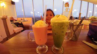 Foto 3 - Menu(Smoothies strawbery sama ice green tea latte) di Giggle Box oleh Cooventia Family
