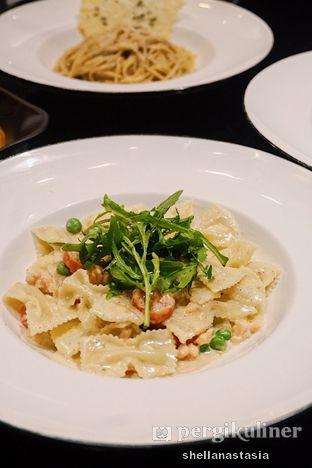 Foto 4 - Makanan(Farfalle Salmone) di Pizza Marzano oleh Shella Anastasia