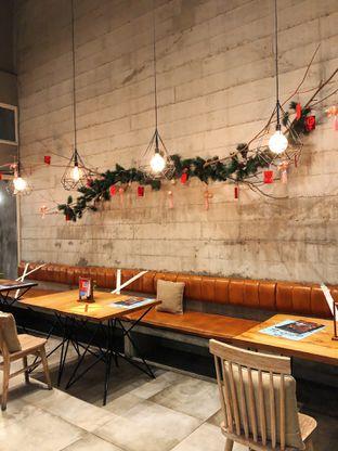 Foto 1 - Interior di Gatherinc Bistro & Bakery oleh kdsct