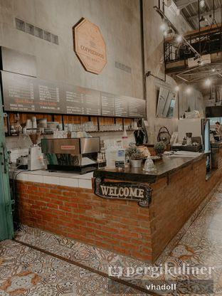 Foto 1 - Interior di Coffeehood oleh Syifa