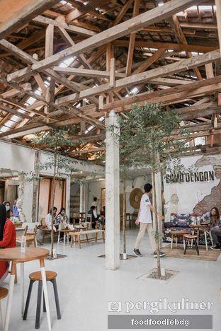 Foto 5 - Interior di Sama Dengan oleh Food Foodie Bdg