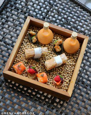 Foto 6 - Makanan di The Writers Bar - Raffles Jakarta Hotel oleh vionna novani