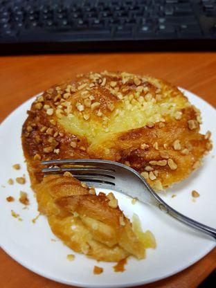 Foto 2 - Makanan di St. Marc Cafe oleh Hafizah Murdhatilla