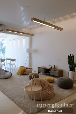 Foto 9 - Interior di Aiko Coffee oleh Darsehsri Handayani