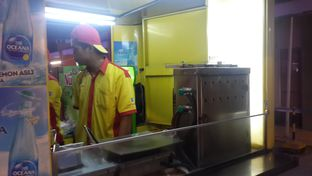 Foto 1 - Interior di Kebab Turki Baba Rafi oleh Rizky Sugianto