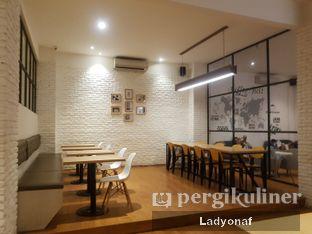 Foto 3 - Interior di Coffee Motion oleh Ladyonaf @placetogoandeat