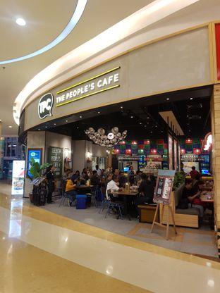 Foto 5 - Interior di The People's Cafe oleh Yuli || IG: @franzeskayuli