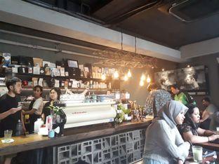 Foto 3 - Interior di Fillmore Coffee oleh @semangkukbakso