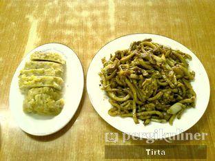 Foto 1 - Makanan(Lomie Goreng & Tahu Baso) di Mie Ayam Abadi oleh Tirta Lie