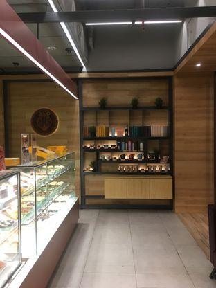 Foto 4 - Interior di J.CO Donuts & Coffee oleh Prido ZH