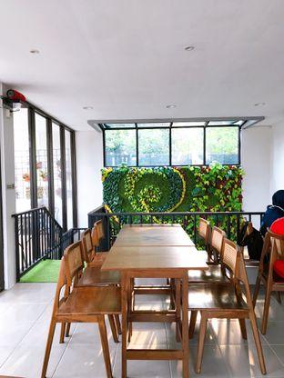 Foto 7 - Interior di Likely Cafe & Resto oleh yudistira ishak abrar