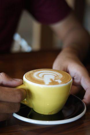 Foto 6 - Makanan(Cappuccino) di Hara - Kollektiv Hotel oleh Fadhlur Rohman