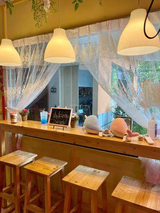 Foto 12 - Interior di Garage Cafe oleh Cheristine Wohangara