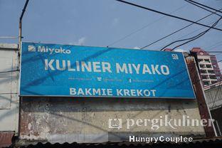 Foto 2 - Eksterior di Bakmi Karet Krekot oleh Hungry Couplee