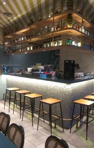 Foto 4 - Interior di Lurik Coffee & Kitchen oleh Renodaneswara @caesarinodswr