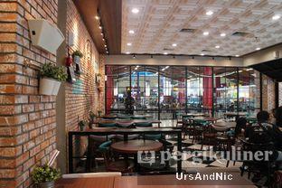Foto 7 - Interior di The Kitchen by Pizza Hut oleh UrsAndNic